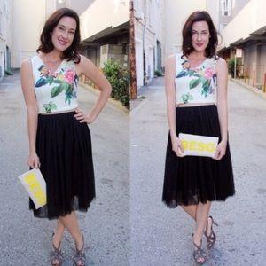 Dresses & Skirts - Black Tulle Midi Skirt