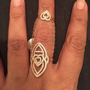 Jewelry - Stunning!!!! Rose Gold Toned Ring