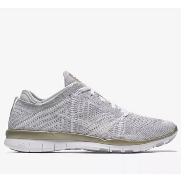 New Women's Nike Free TR 5 Flyknit Metallic Shoes NWT