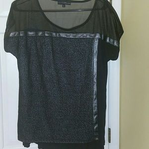 Tops - Black top with beautiful textures
