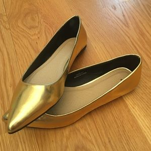 Size 5/UK 3 ASOS Gold Flats