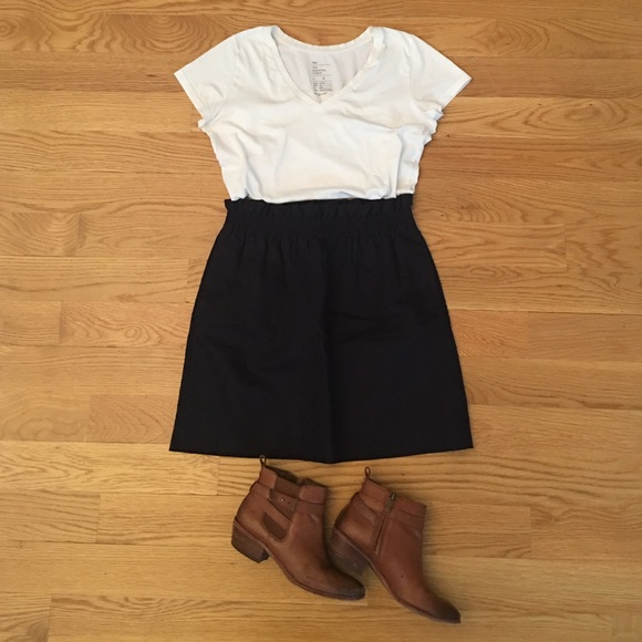 J. Crew Skirts - J. Crew Navy Blue Skirt w/ Pockets Size 4
