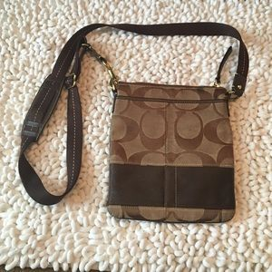 Authentic Coach Crossbody Classic Pattern