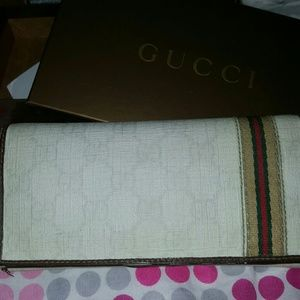 Authentic Gucci wallet