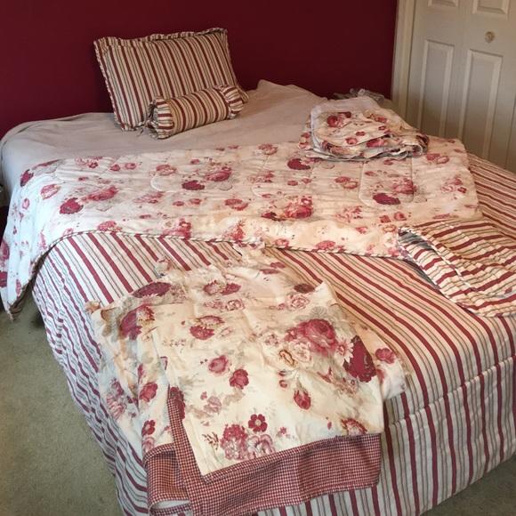 Waverly Vintage Rose Bed and Bath bundle