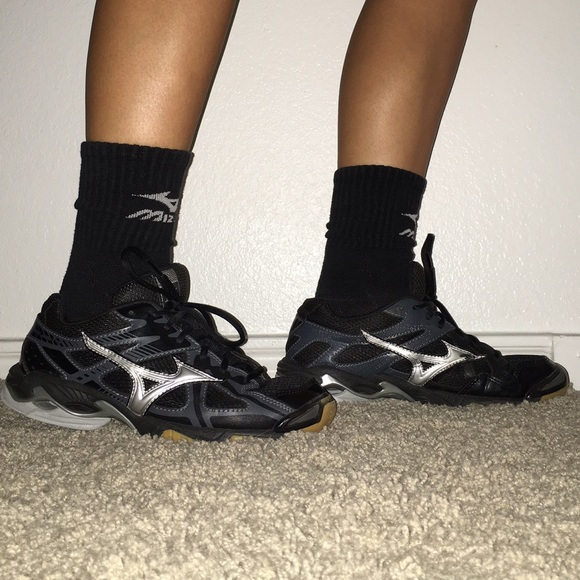 mizuno volleyball shoes 2016 size
