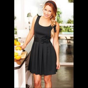 LC Lauren Conrad Dresses & Skirts - LC by Lauren Conrad Black bow dress