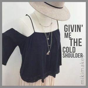 Off the shoulder gauze black shirt w/ lace hem