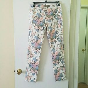 Denim - *SPRING* White floral pants