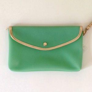 Handbags - NWT cosmetic bag🎉3xHP🎉
