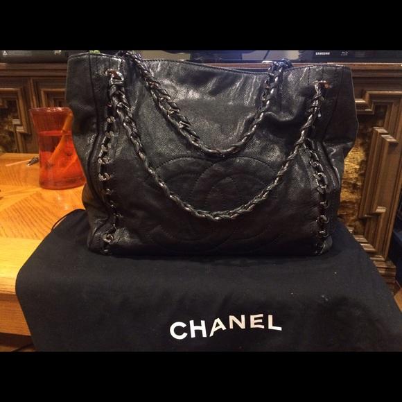 CHANEL Handbags - Glazed Caviar East West Modern Chain Black Tote