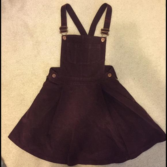 6274e4999ab Burgundy corduroy overall dress. M 57804d804127d0cc5101184e