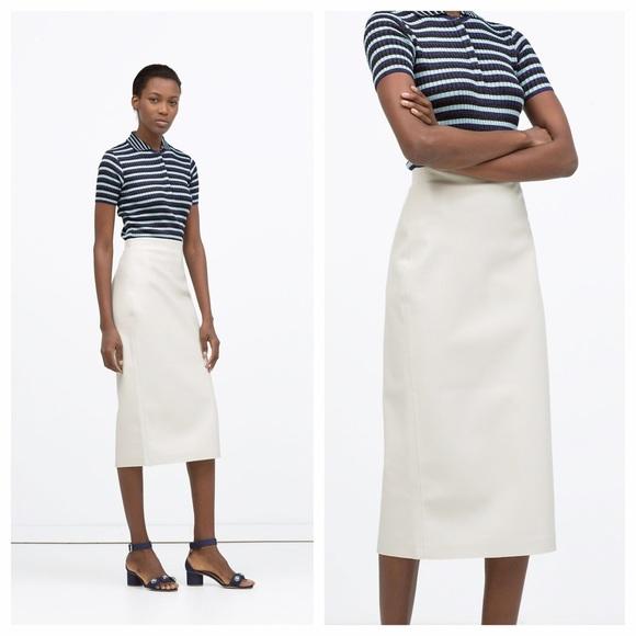 2113fc18e56 Zara White Faux Leather Midi Pencil Skirt. M 5780530578b31cd21301240a