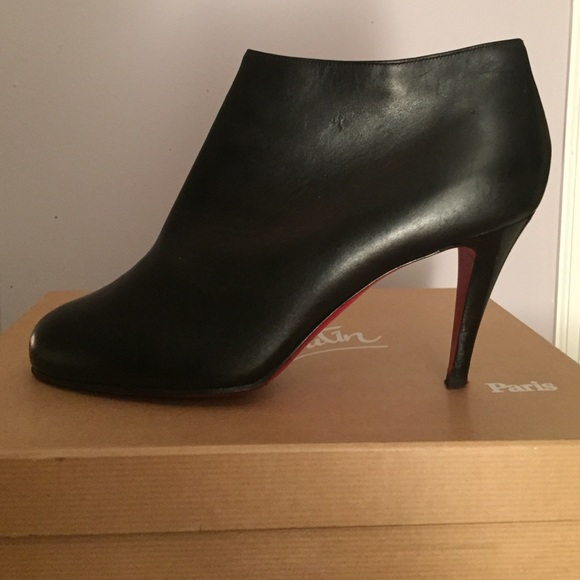 finest selection ab4be 0a3a7 Christian Louboutin Belle Ankle Boot size 39.5