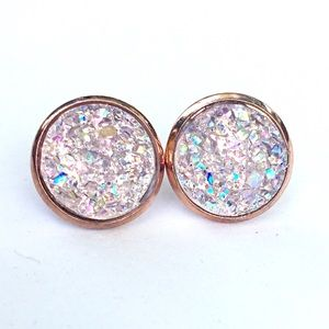 thejeweladdict Jewelry - 3 for 15🎀very light pink faux rose g Druzy studs