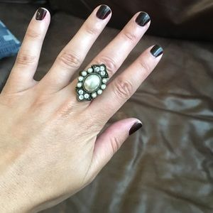 H&M Jewelry - Pearl and diamond bronze ring
