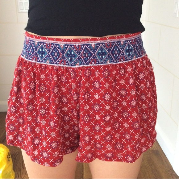 25% off Forever 21 Pants - Forever 21 Patterned Flowy Shorts from ...