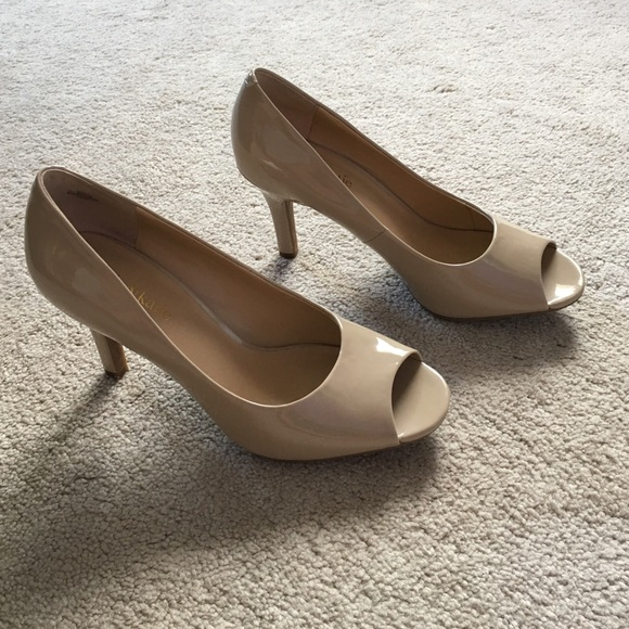 83e0d07d4 Kelly & Katie Shoes | Kelly Katie Izzy Pumps | Poshmark