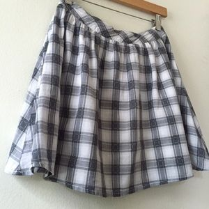 Size Small. Plaid Skater Skirt by Blu Pepper.