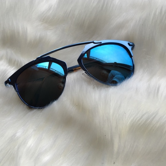 c06c22dfa8405 Blue   christian Dior look alike sunglasses. M 57815e0e713fde7e5b04555f