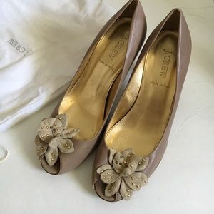 J.Crew tan heels flower detail size 8