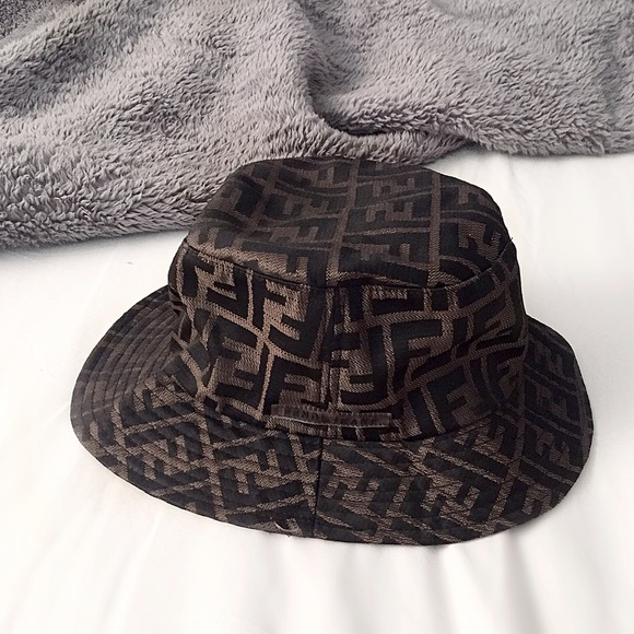 09340b1e2b9 FENDI Accessories - FINAL FLASH- Fendi Bucket Hat