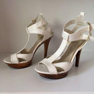 Anne Michelle white sandal heels size 7.5