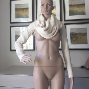 Wool wrap around from Sisley one size