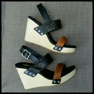 Volatile Shoes - Volatile Platform Sandals