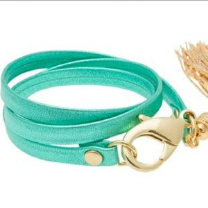 E.Kammeyer Accessories Jewelry - Turquoise leather triple wrap leather bracelet