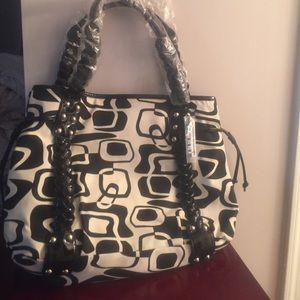 Handbags - NWOT Black & Off-White Bag