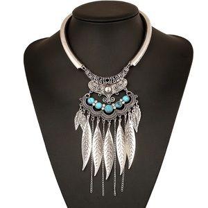 Jewelry - Bijoux Feather Choker Collar Tribal Statement NWT
