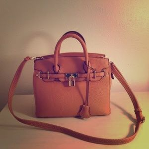 Just fab petite icon nude bag brand new