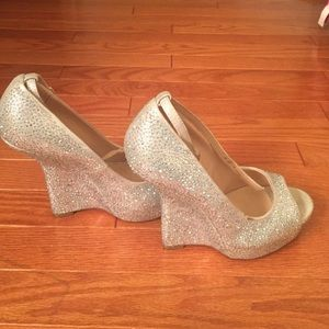 Chinese Laundry jewel wedge heels size 8
