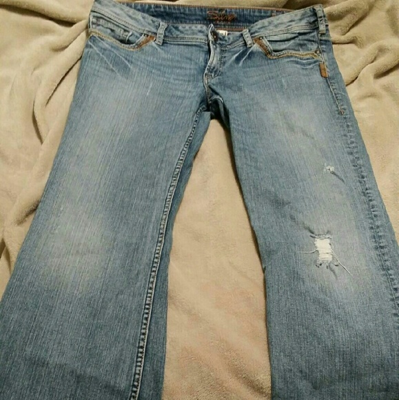64% off Denim - Womens silver jeans size 32/31 from Colette's