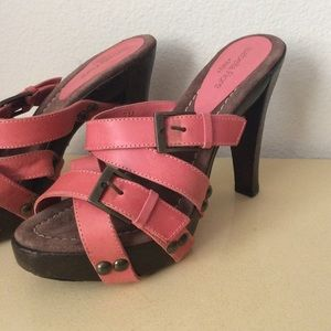 Isabella Fiore Shoes - Isabella Fiore salmon buckle sandals, mules 🇨🇮❤️