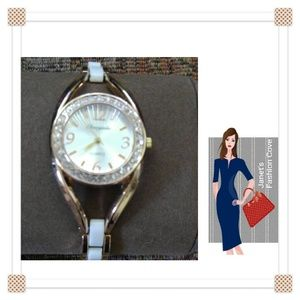 Accessories - SALE! Quartz Inlay Women's Watch