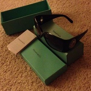 Tiffany & Co. Accessories - Like New Tiffany & Co. Sunglasses