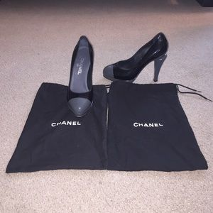 CHANEL Shoes - CHANEL Grey and Black Cap Toe Heels Pumps 8 38