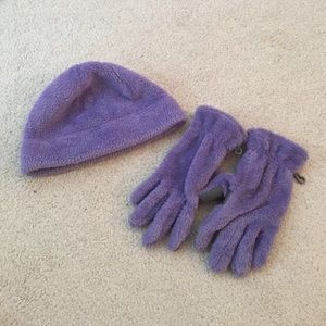 lands end size large fuzzy gloves and hat