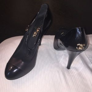 CHANEL Shoes - CHANEL  cap toe T-strap CC logo heels 8 38