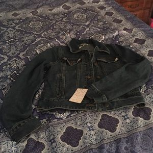 Very soft fitted free people denim jacket