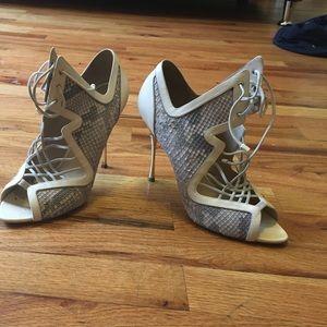 Nicholas Kirkwood nude party shoes size 38