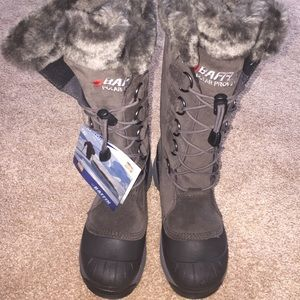 Baffin Shoes - Brand new Baffin womens snow boots