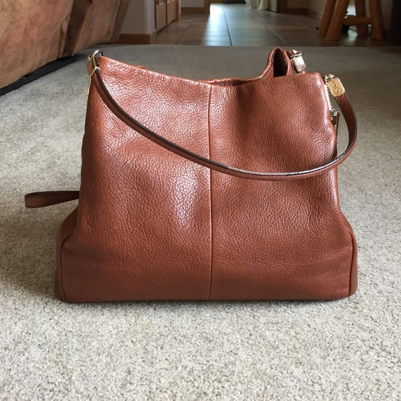Coach Handbags - Coach Phoebe Hobo bag. Saddle colored. Gold hardw. 2e1b735bf7510