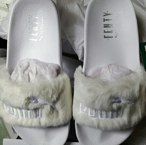 reputable site e8dc4 9c207 Fenty Puma by Rihanna White fur slide NWT