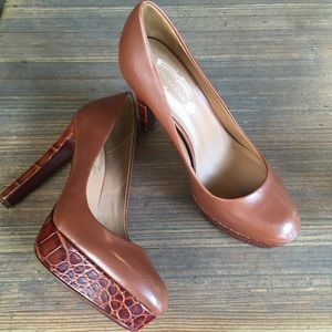Elie Tahari Shoes - ❤SALE Elie Tahari Brown & Croc Leather Heels