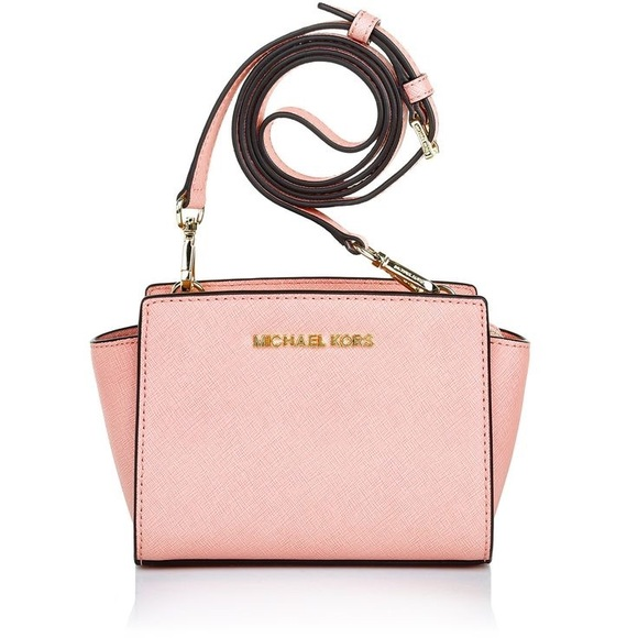 21 off michael kors handbags michael kors light pink crossbody from. Black Bedroom Furniture Sets. Home Design Ideas