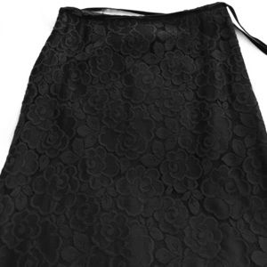 Tracy Reese black lace skirt, scalloped hem. SizeS