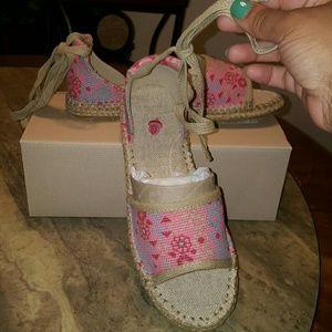 Acorn Shoes - Acorn Espie Tie Sandals